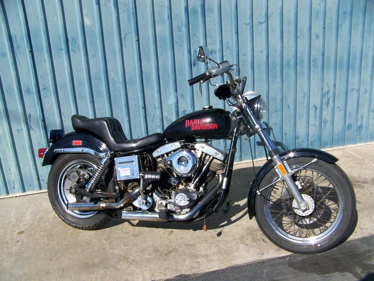 ハーレーダビッドソン 1975 FXE 車体写真1