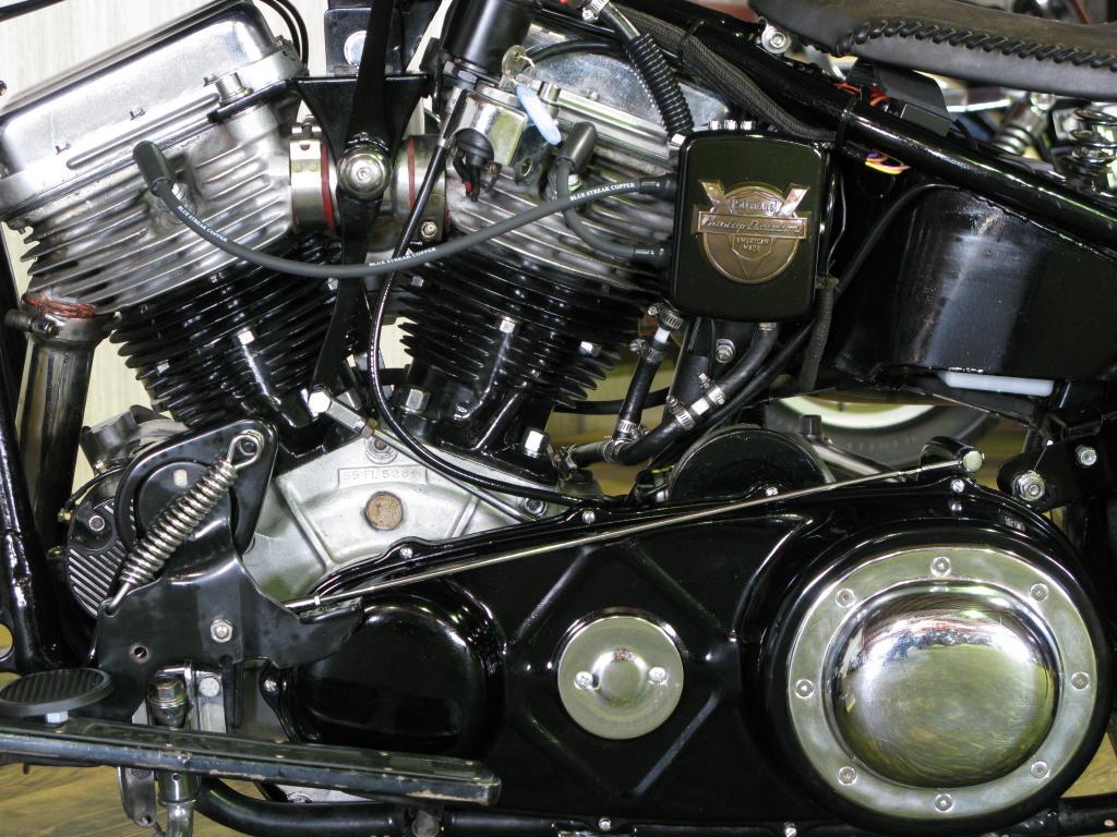 ハーレーダビッドソン 1955 FL 1200 Custom 車体写真8