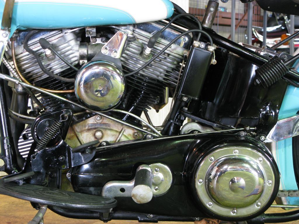 ハーレーダビッドソン 1955 FL 1200 Hydra Glide 車体写真6
