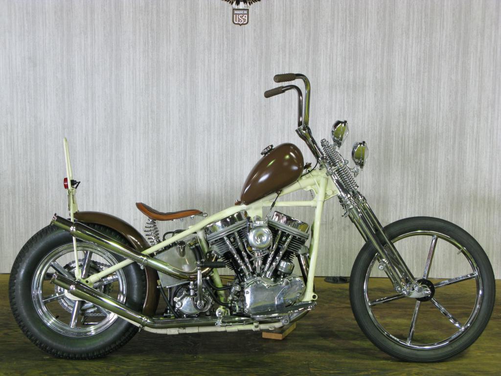 ハーレーダビッドソン 1956 Pan head Custom 車体写真1