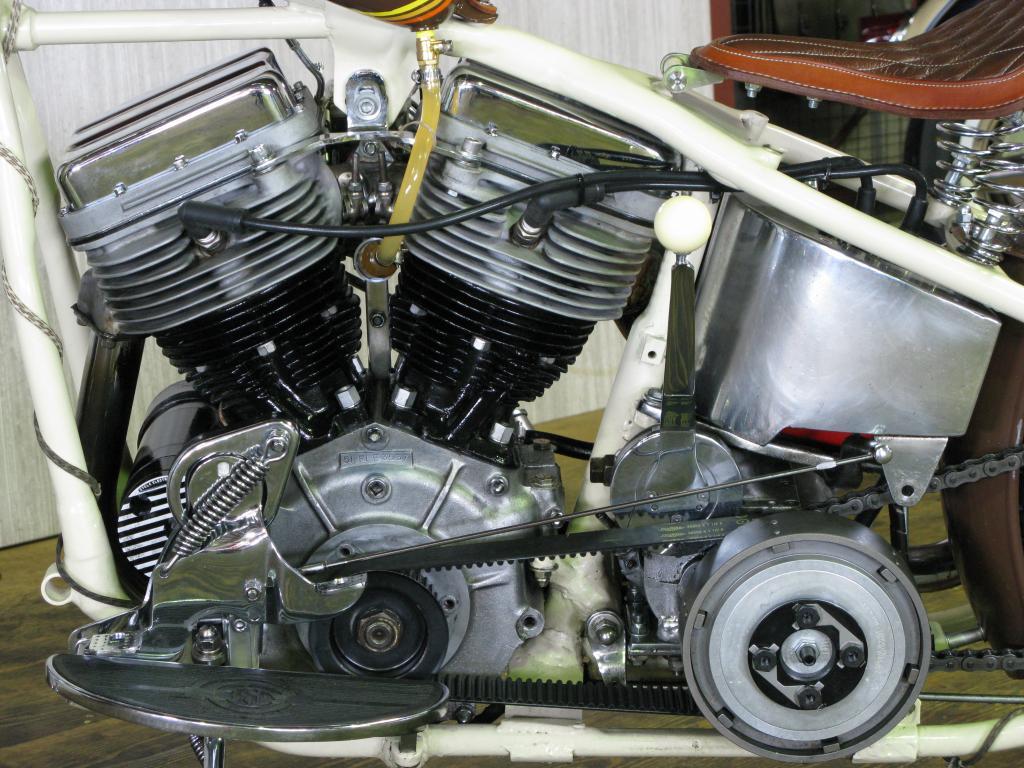 ハーレーダビッドソン 1956 Pan head Custom 車体写真8
