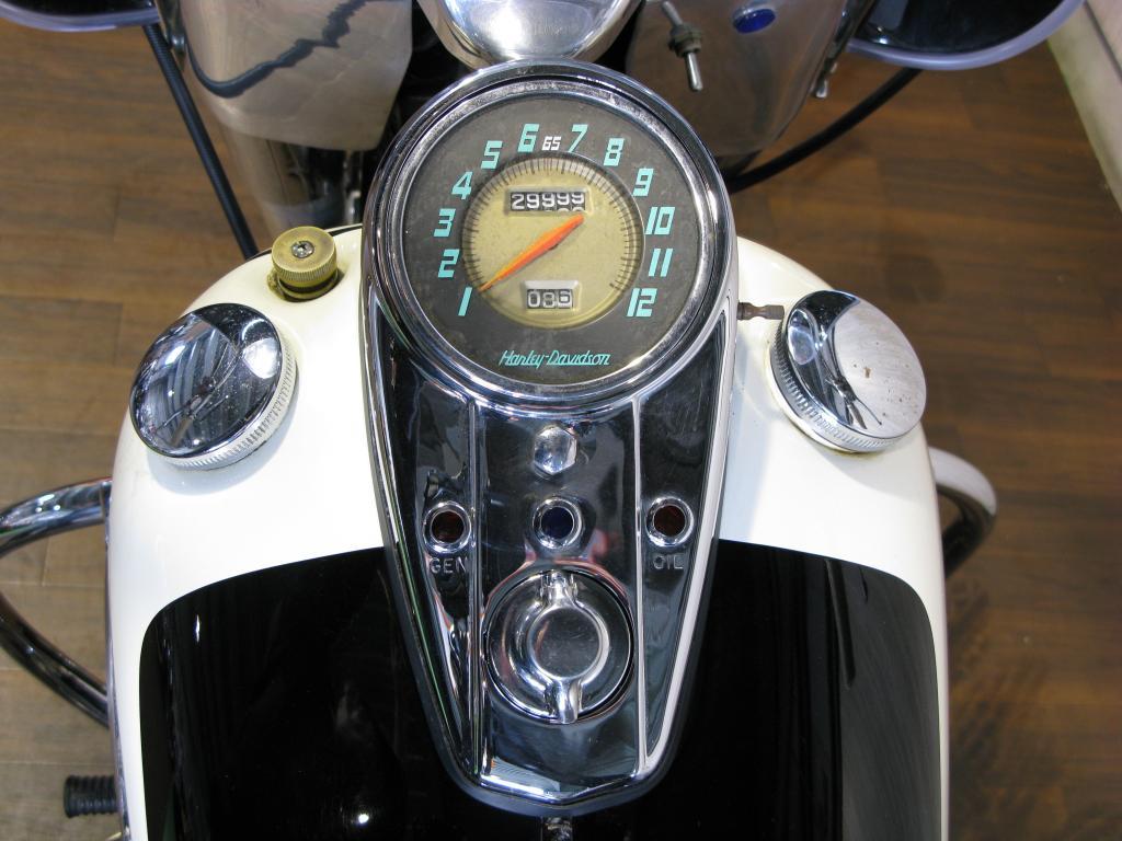 ハーレーダビッドソン 1962 FL Duo-Glide 車体写真11