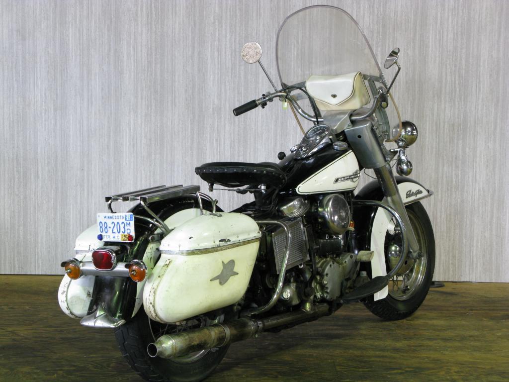 ハーレーダビッドソン 1965 FL Police special 車体写真3