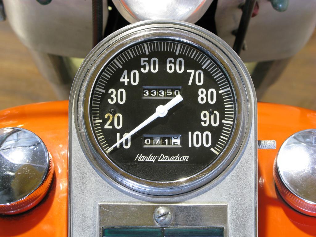 ハーレーダビッドソン 1966 FL 1200 車体写真9