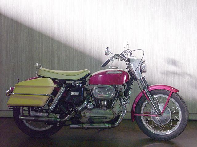 ハーレーダビッドソン 1967 XLH 車体写真1