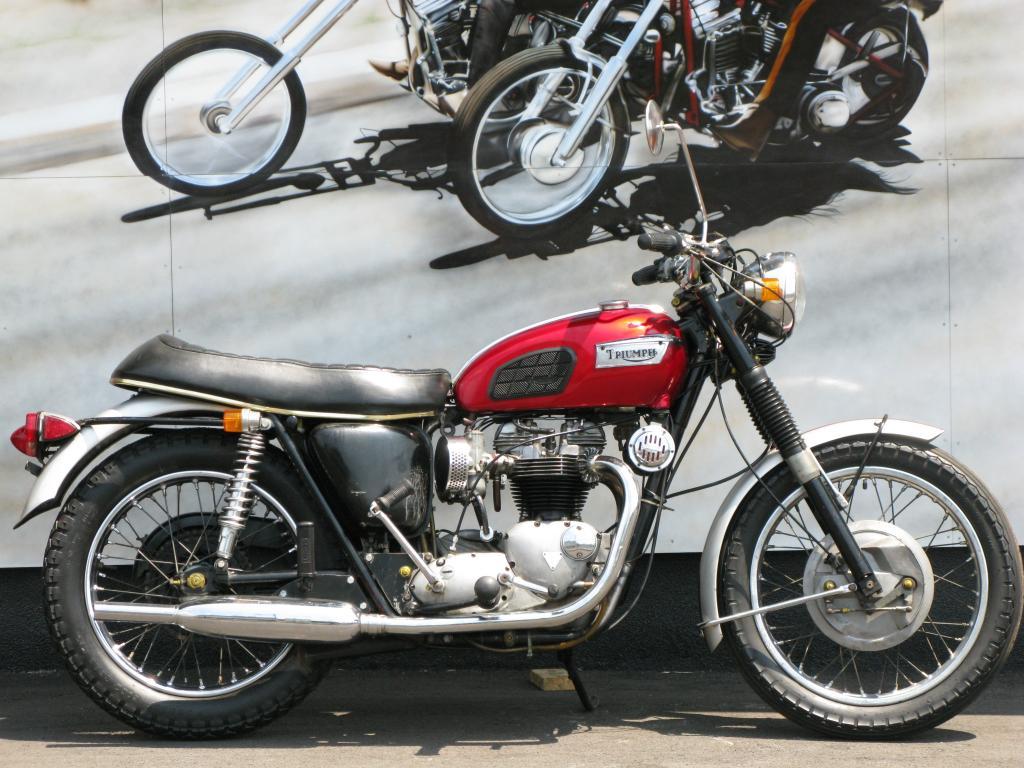 トライアンフ 1969 Triumph Bonneville T120R 車体写真1