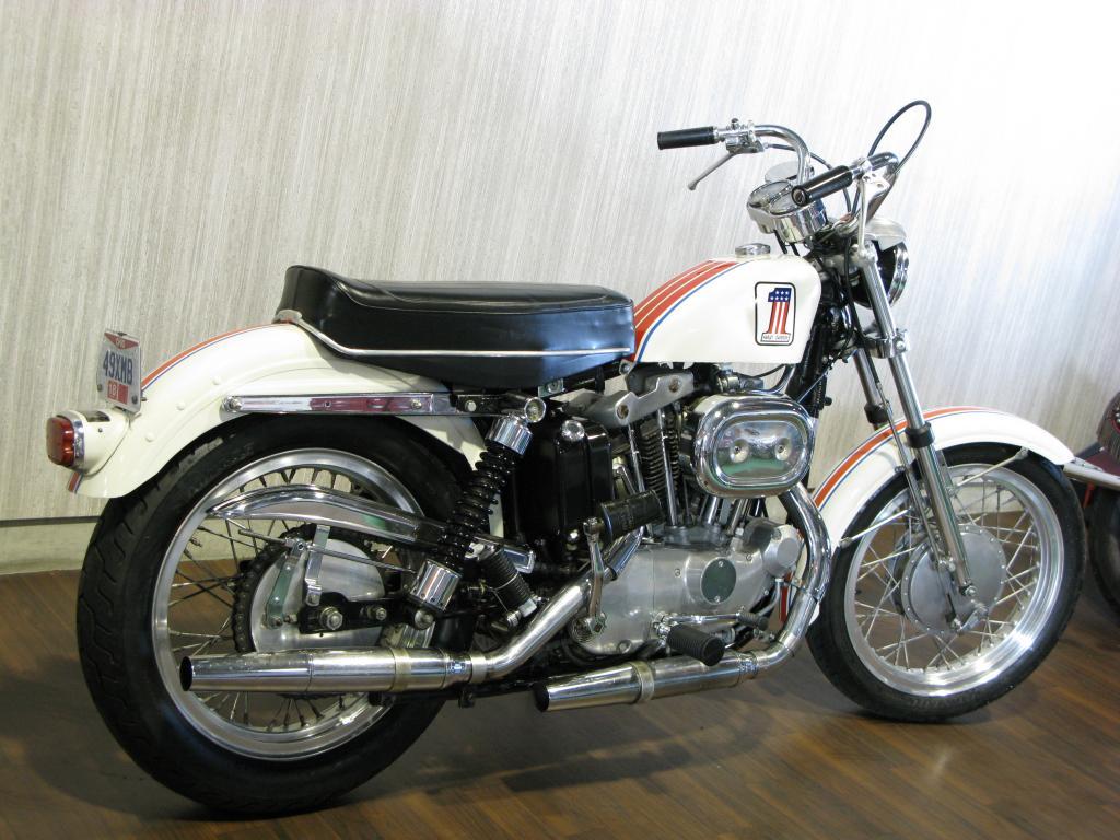 ハーレーダビッドソン 1971 XLCH 900 車体写真3
