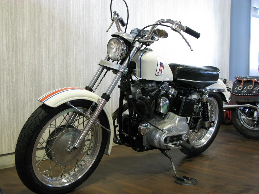 ハーレーダビッドソン 1971 XLCH 900 車体写真5
