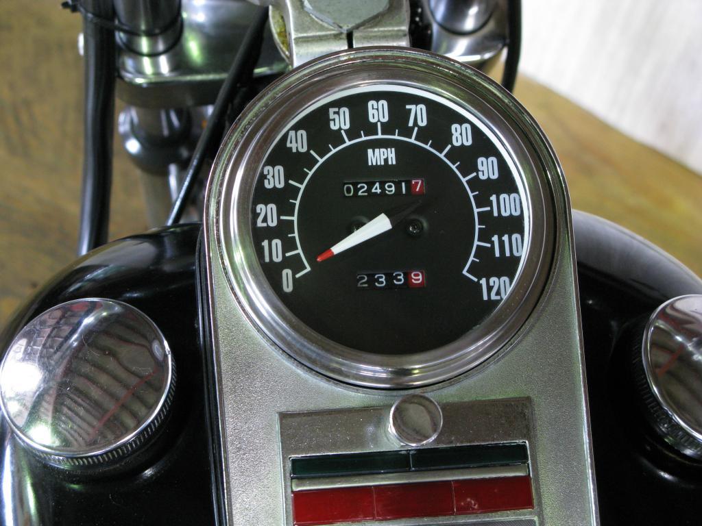 ハーレーダビッドソン 1972 FX Midnight Express 車体写真9