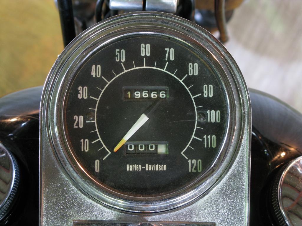 ハーレーダビッドソン 1972 FX 車体写真9