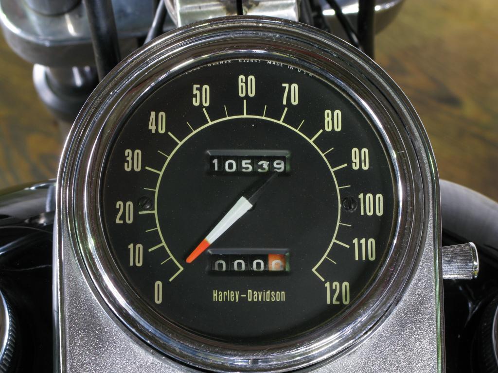 ハーレーダビッドソン 1972 FX 車体写真10