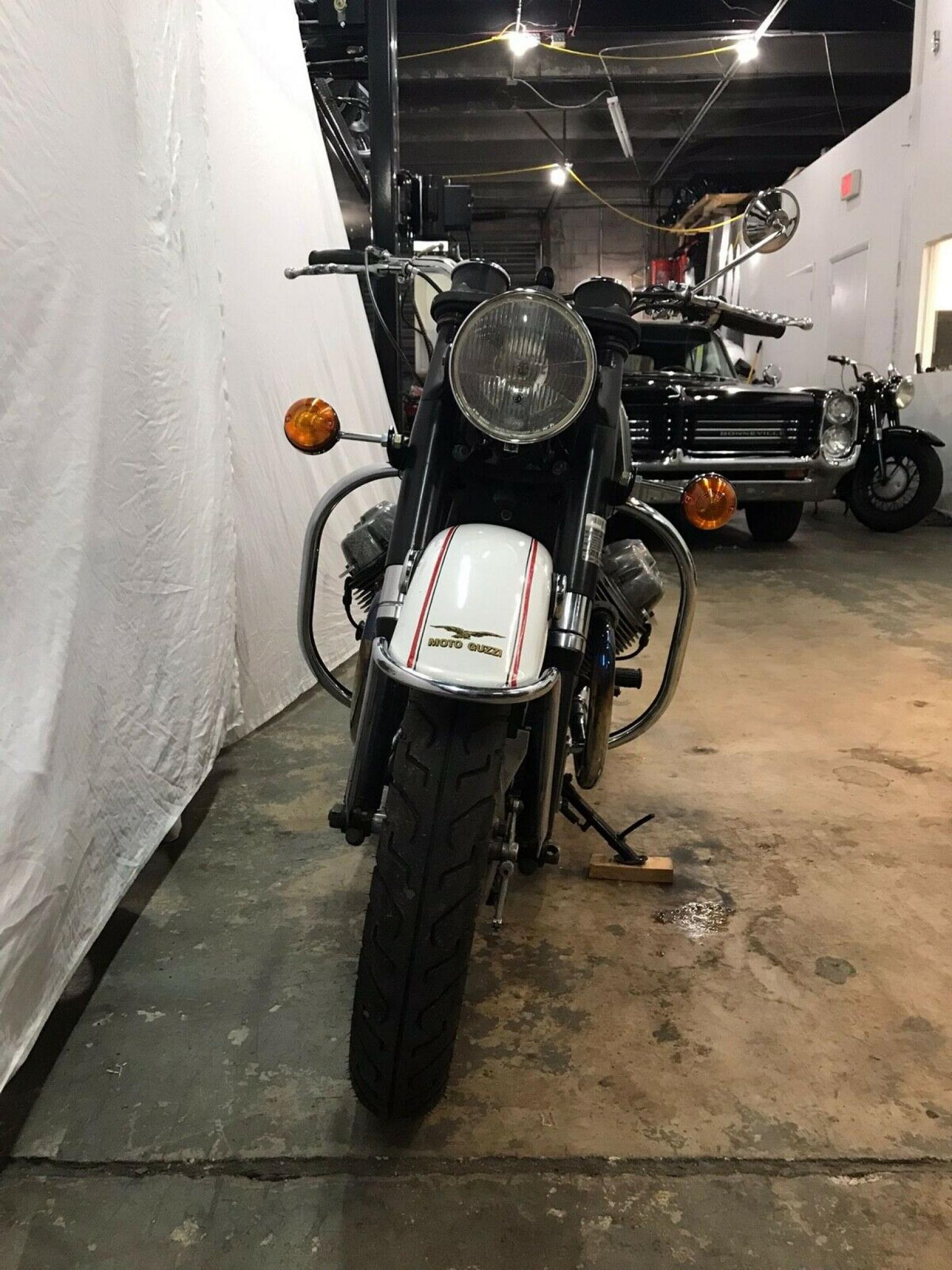 モトグッツイ 1972 Moto Guzzi Eldorado 車体写真6