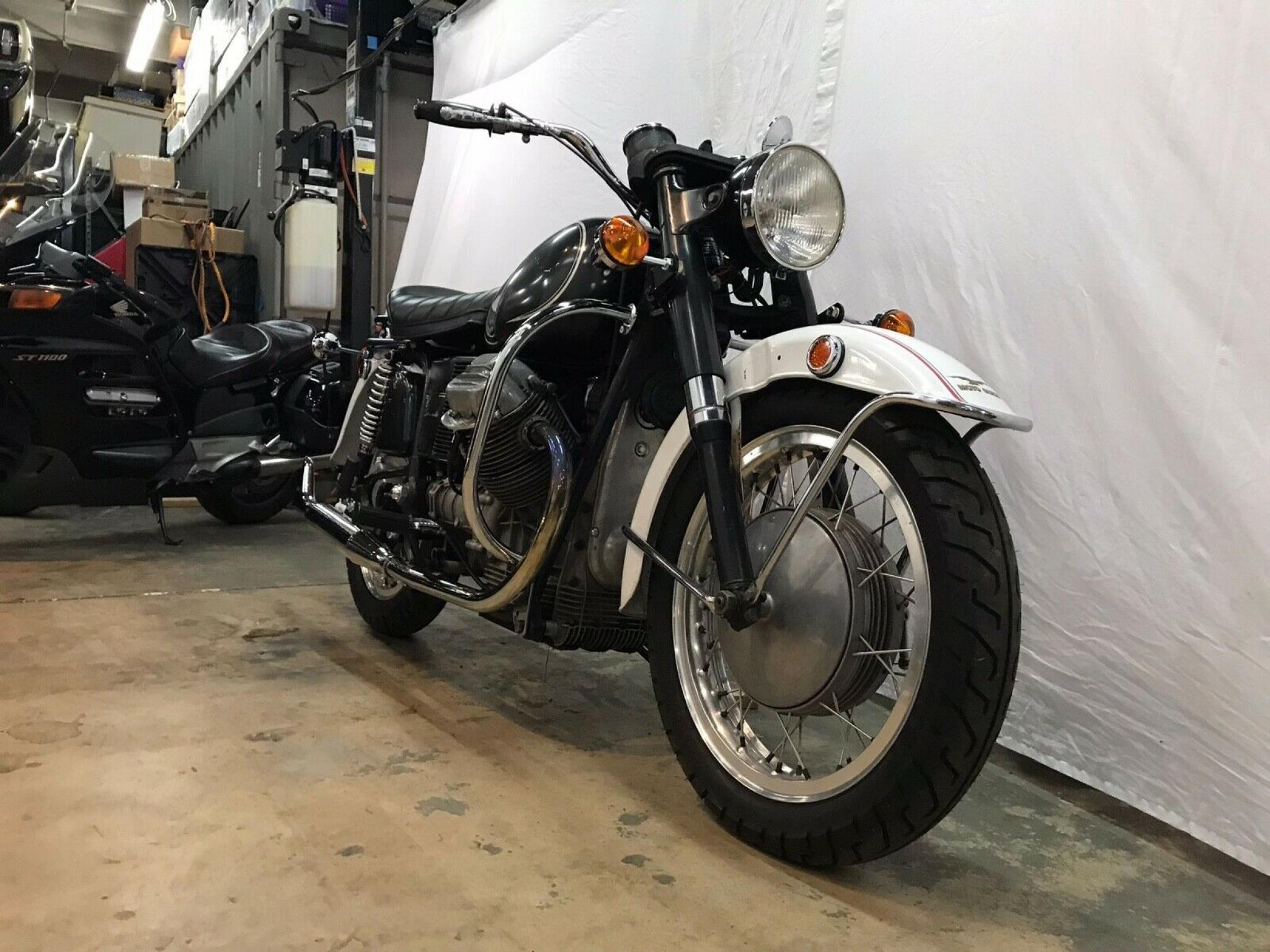 モトグッツイ 1972 Moto Guzzi Eldorado 車体写真8