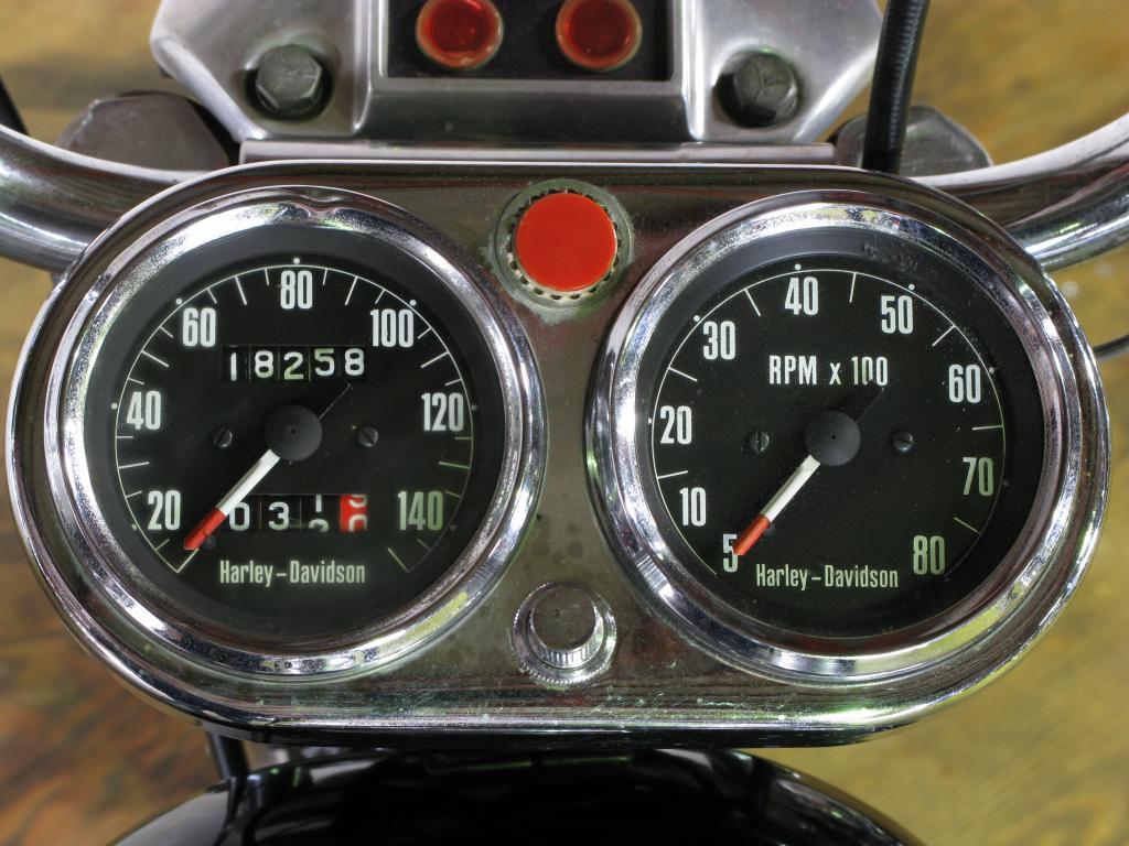 ハーレーダビッドソン 1972 XLCH 1000 車体写真9