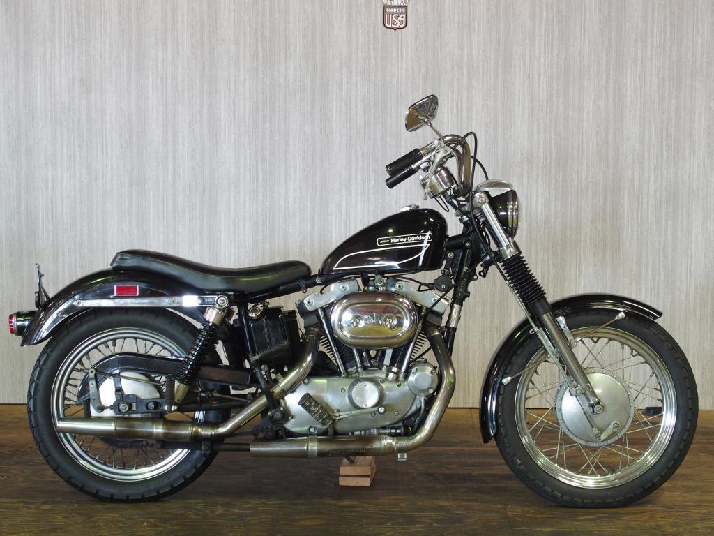 ハーレーダビッドソン 1972 XLCH 1000 車体写真1