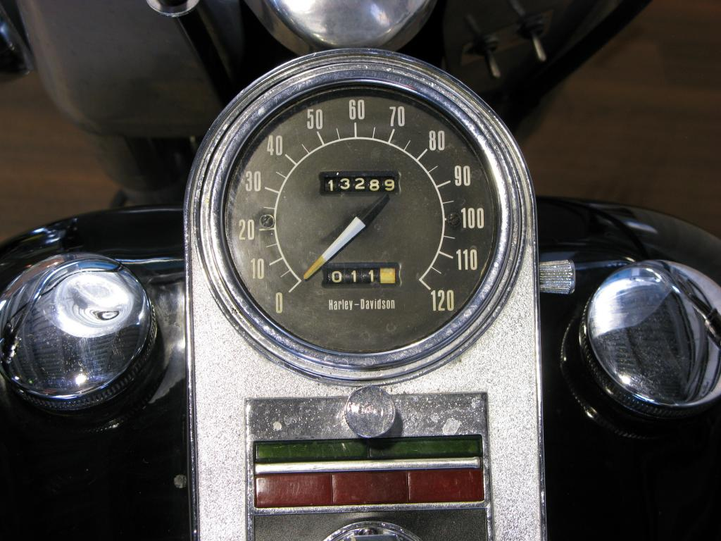 ハーレーダビッドソン 1973 FLH 1200 車体写真10
