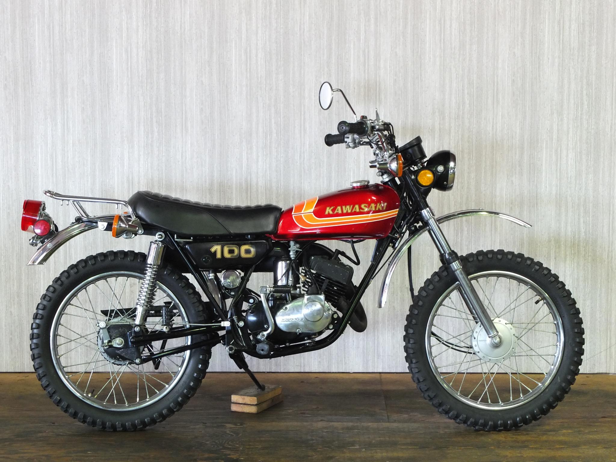 カワサキ 1973 Kawasaki KV100 車体写真1