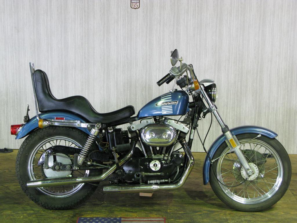 ハーレーダビッドソン 1973 XLCH 1000 車体写真1