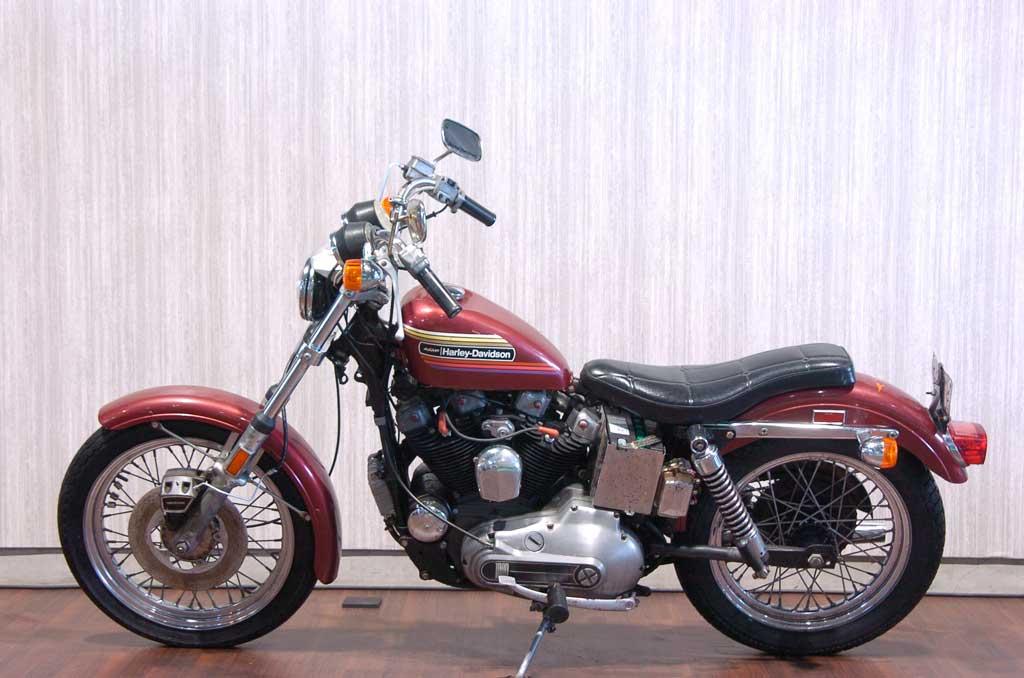 ハーレーダビッドソン 1974 XLCH 1000 車体写真4