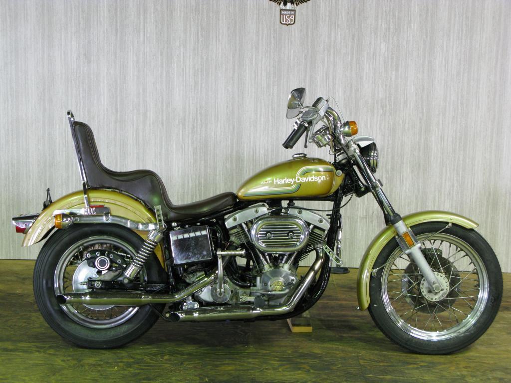 ハーレーダビッドソン 1975 FXE 1200 車体写真1