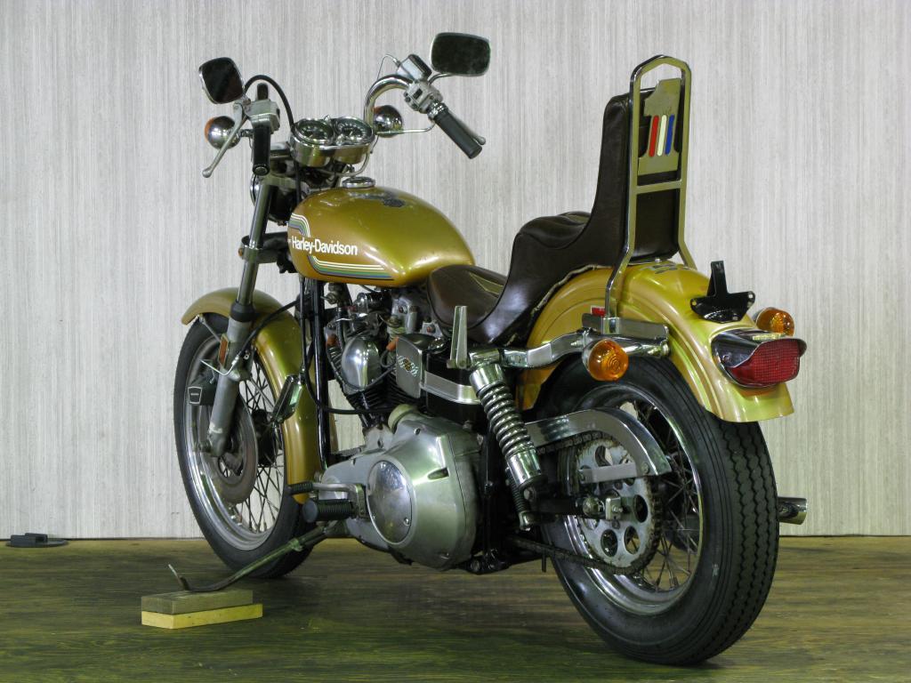 ハーレーダビッドソン 1975 FXE 1200 車体写真6