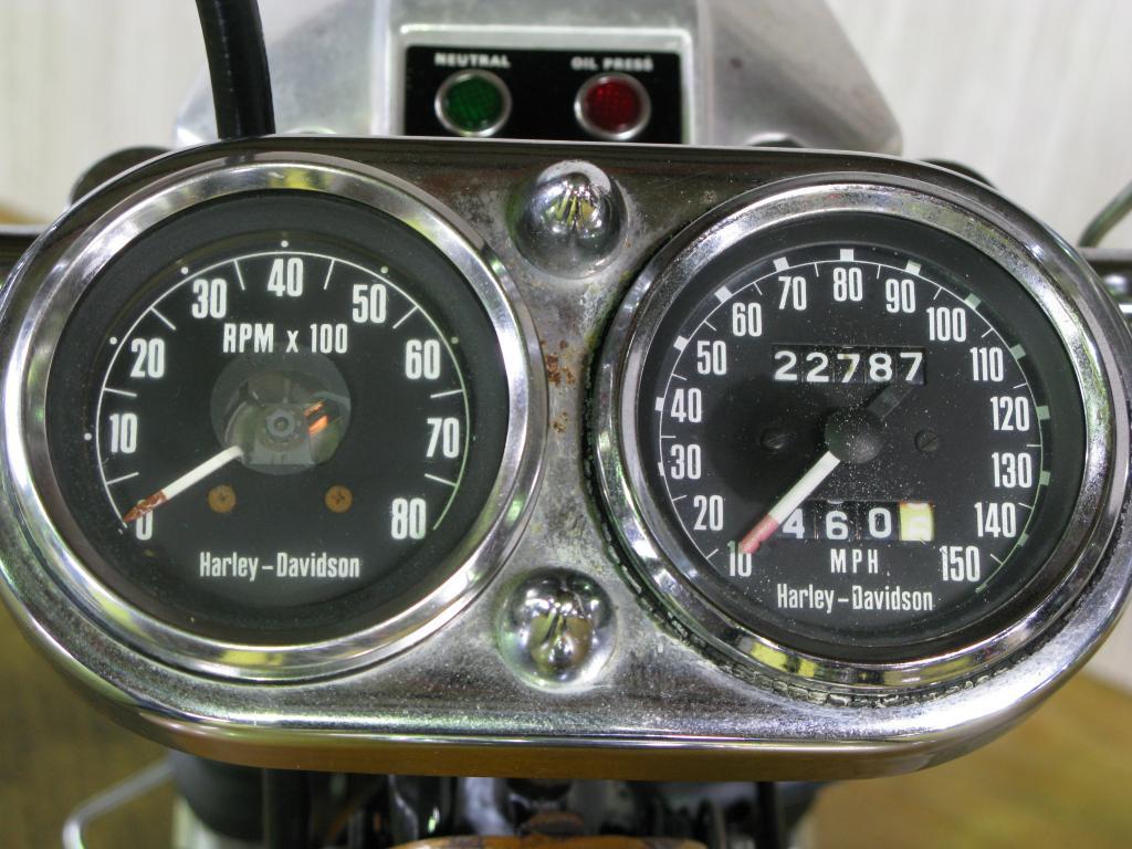 ハーレーダビッドソン 1975 FXE 1200 車体写真9