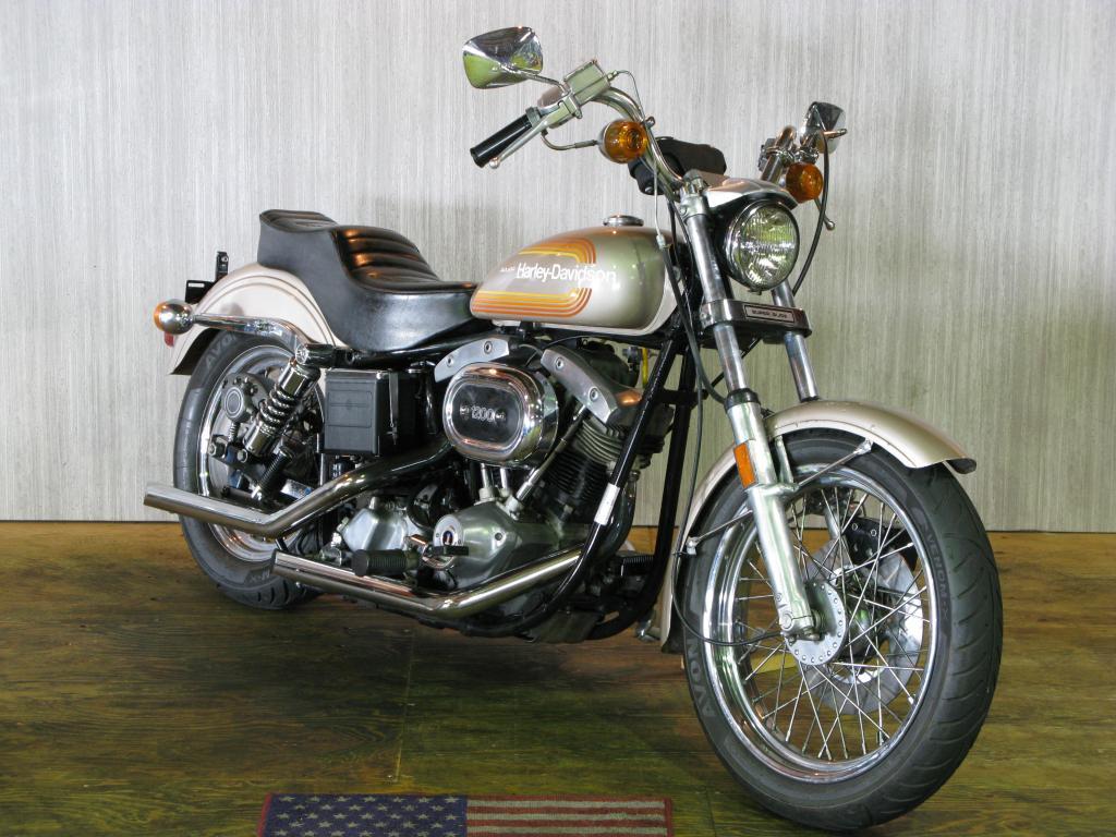 ハーレーダビッドソン 1976 FXE 1200 車体写真2