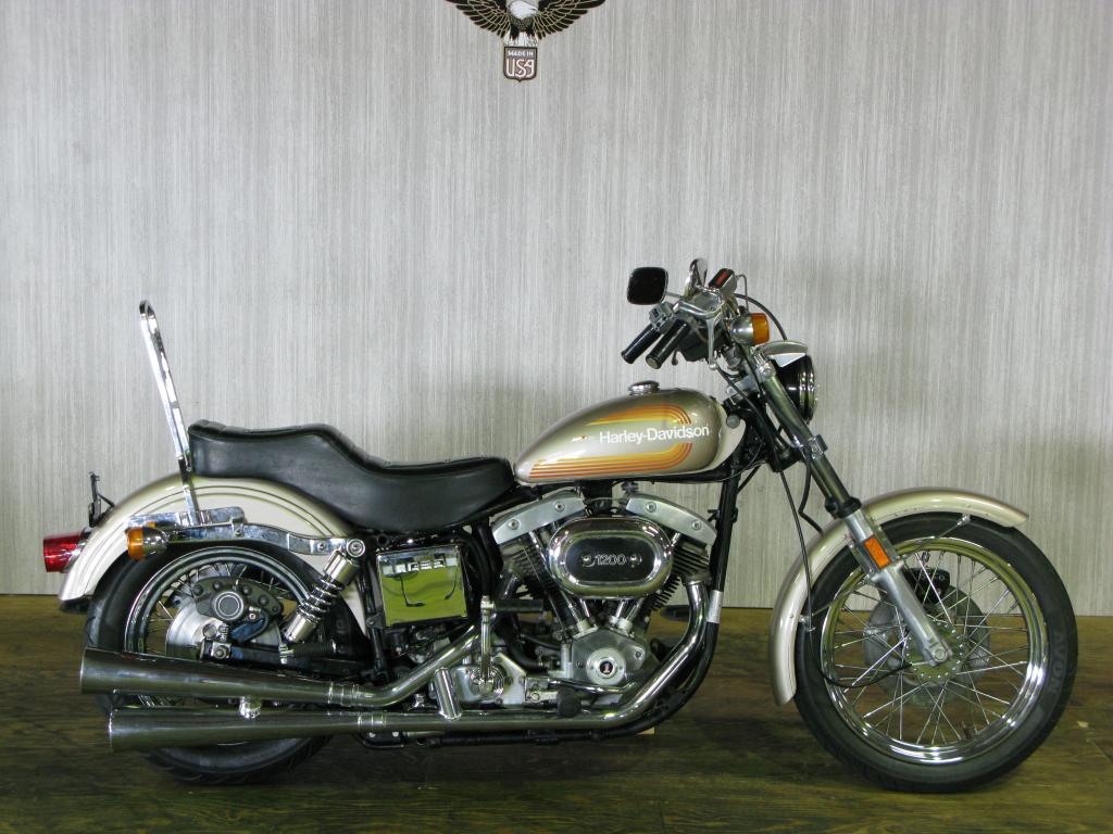 ハーレーダビッドソン 1976 FXE 1200 車体写真1