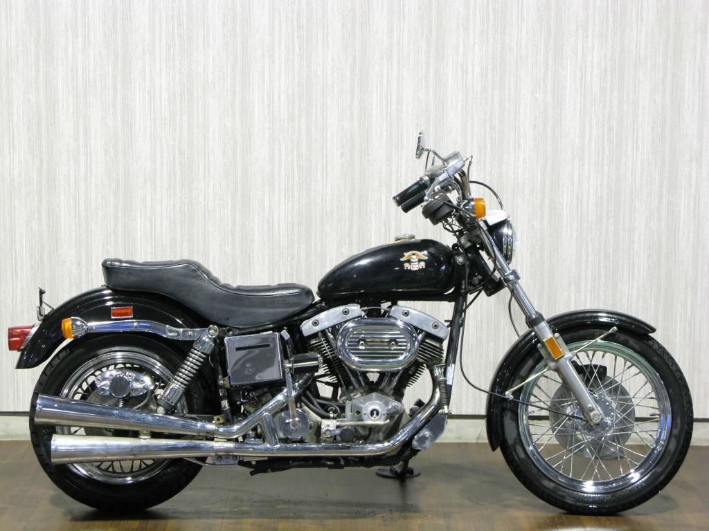 ハーレーダビッドソン 1976 FXE Liberty Edition 車体写真1