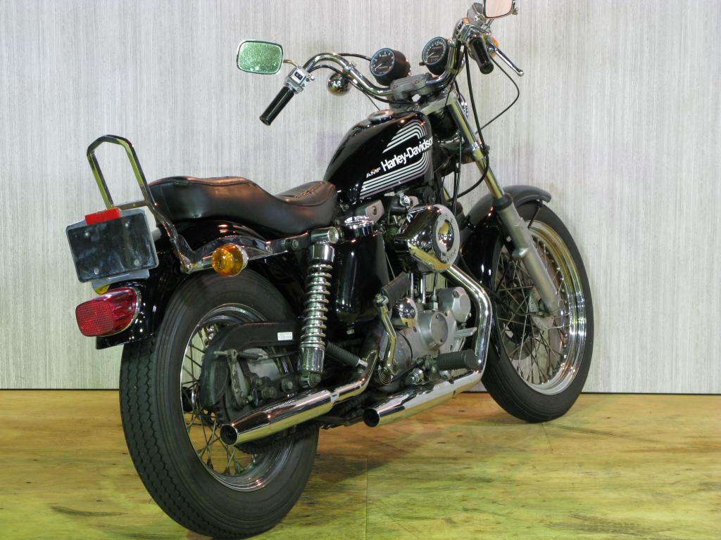 ハーレーダビッドソン 1976 XLCH 1000 車体写真3