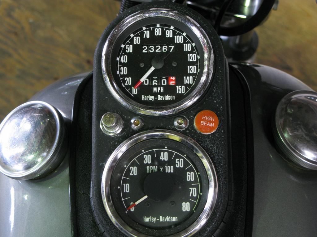 ハーレーダビッドソン 1977 FXS 1200 Low Rider 車体写真9