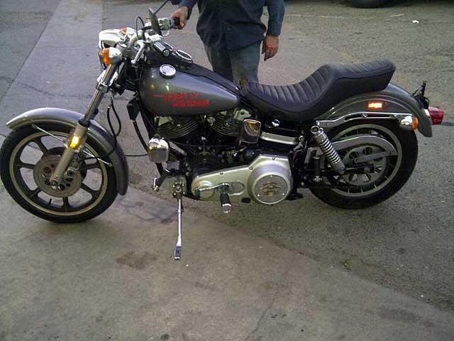ハーレーダビッドソン 1977 FXS 1200 車体写真2