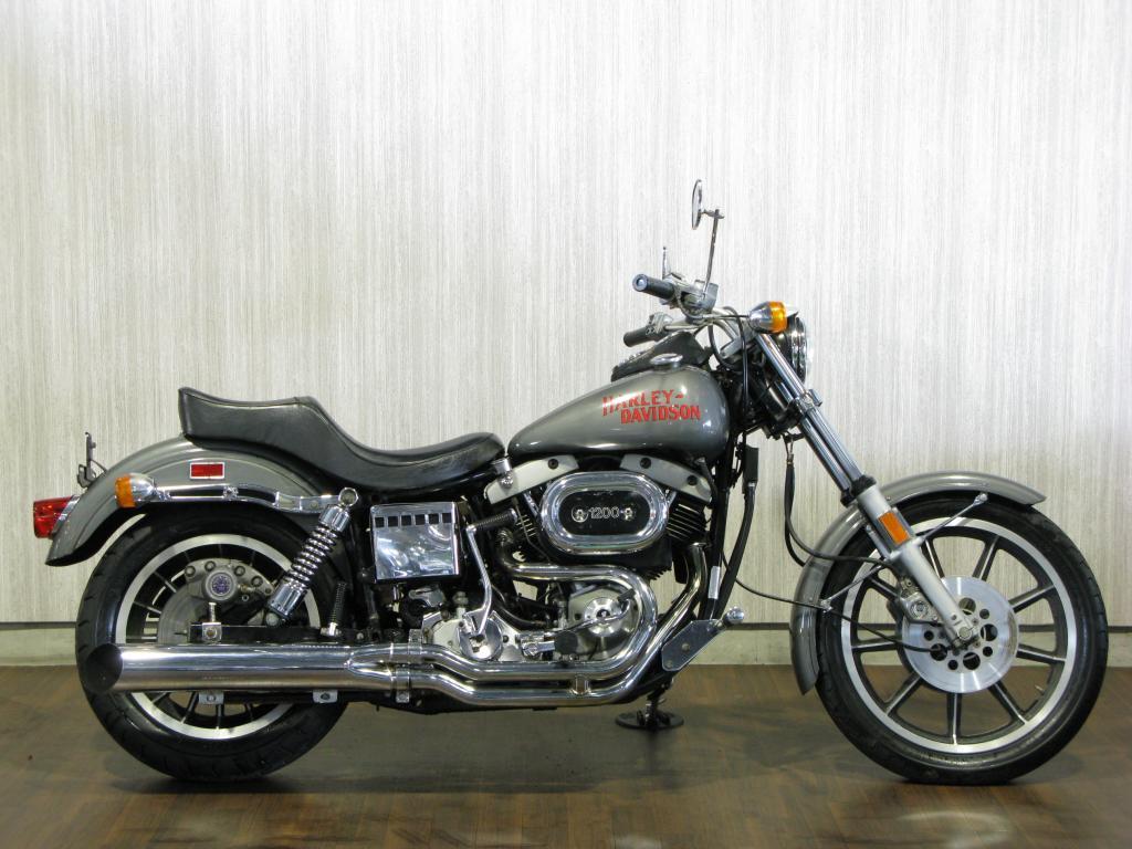 ハーレーダビッドソン 1977 FXS 1200 Low Rider 車体写真1