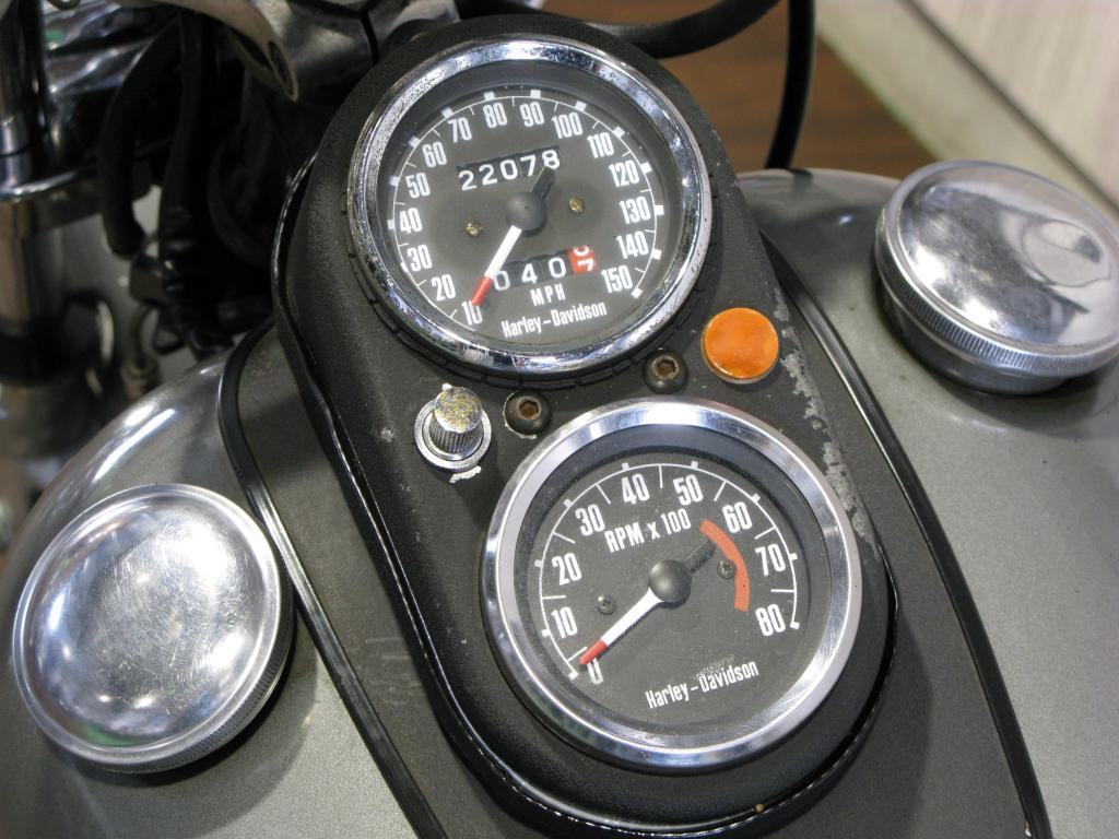 ハーレーダビッドソン 1977 FXS 1200 Low Rider 車体写真10