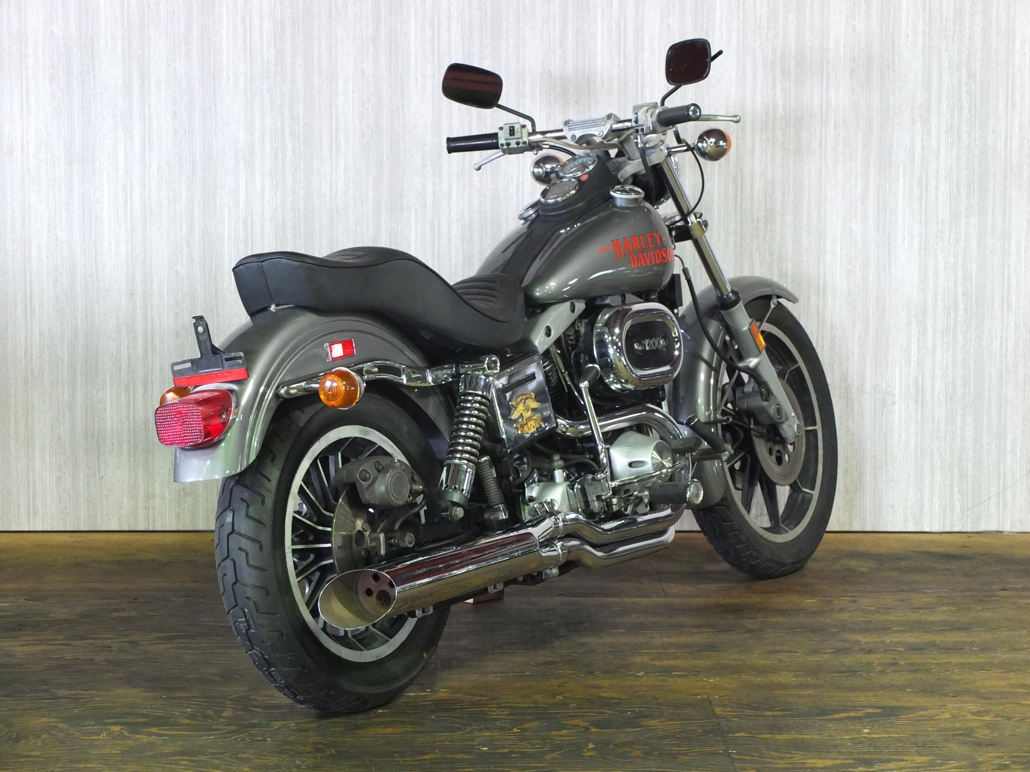 ハーレーダビッドソン 1977 FXS Low Rider 車体写真3