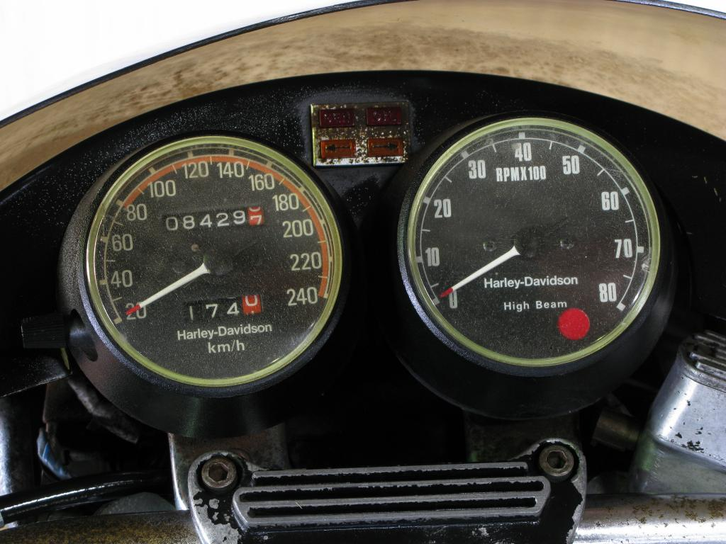 ハーレーダビッドソン 1977 XLCR 車体写真9