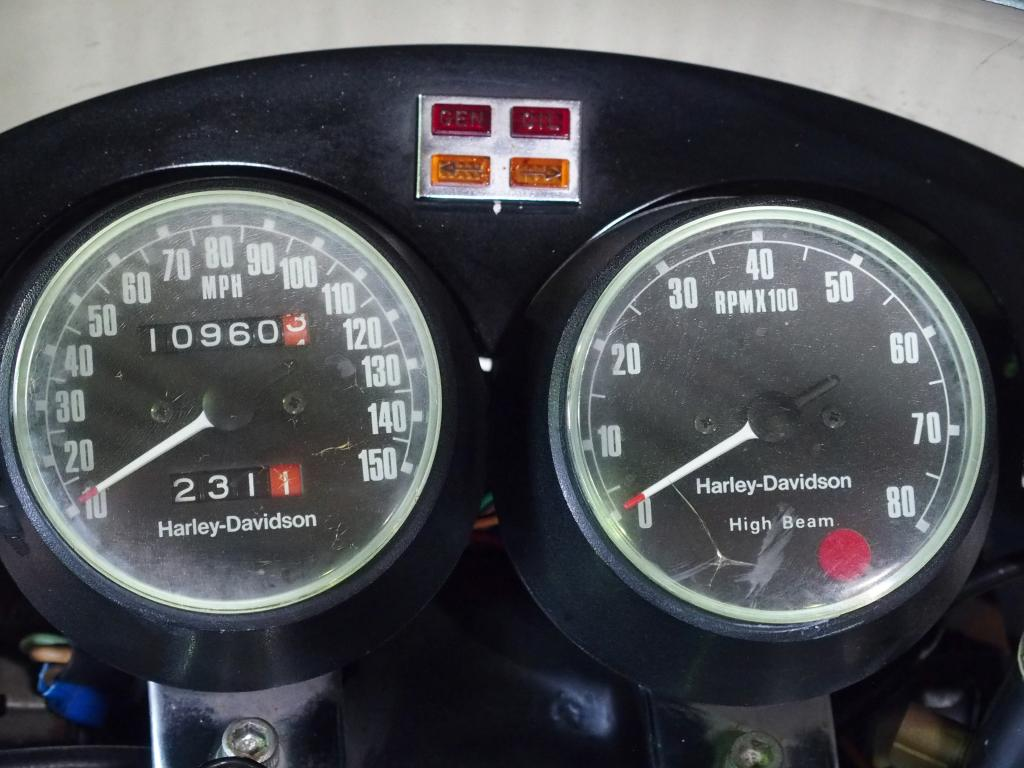 ハーレーダビッドソン 1977 XLCR 1000 車体写真9