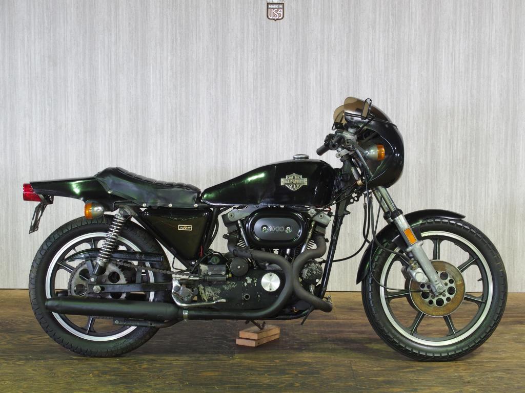 ハーレーダビッドソン 1977 XLCR 車体写真1