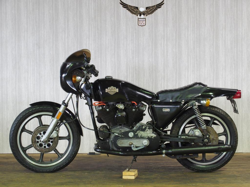 ハーレーダビッドソン 1977 XLCR 車体写真4