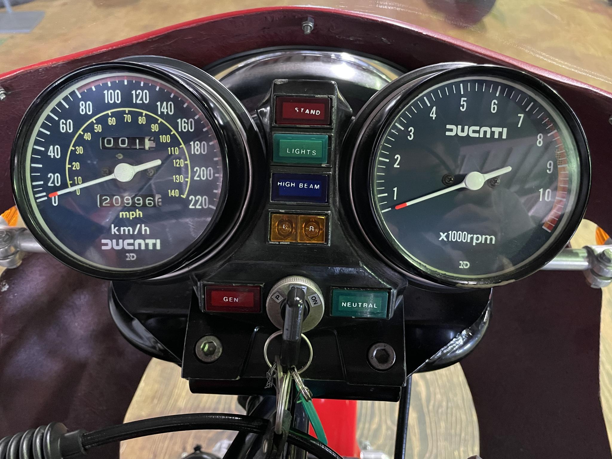 ドゥカティ 1983 Ducati MHR 900 車体写真10