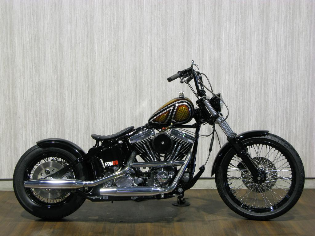 ハーレー FXSTC Softail Custom 車体写真1