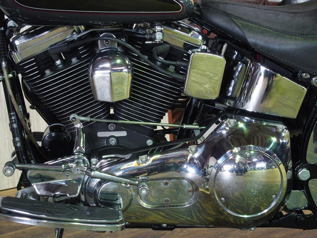 ハーレーダビッドソン 1995 FLSTN 車体写真9