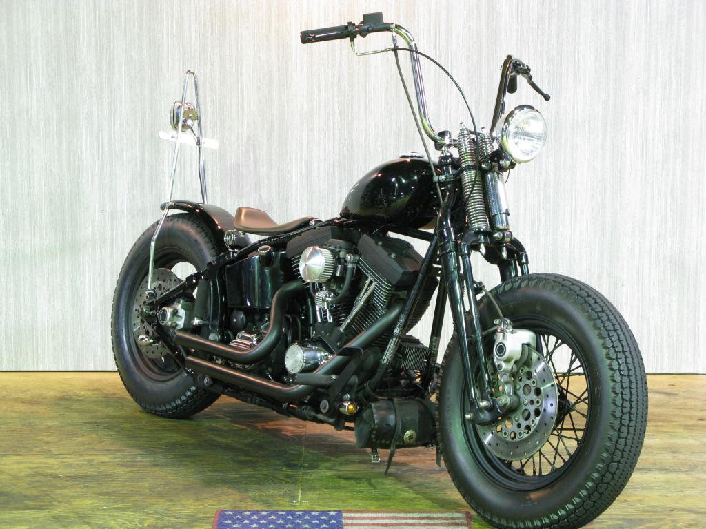 ハーレー FXSTSB Bad Boy Custom 車体写真2