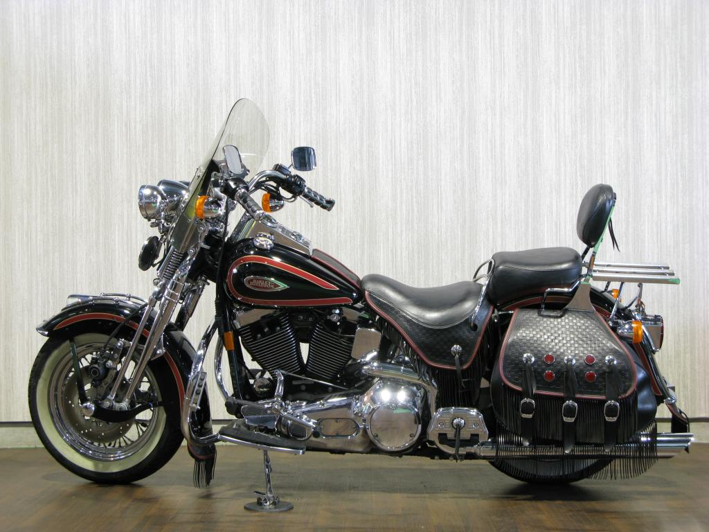 ハーレー FLSTS Heritage Springer 車体写真4