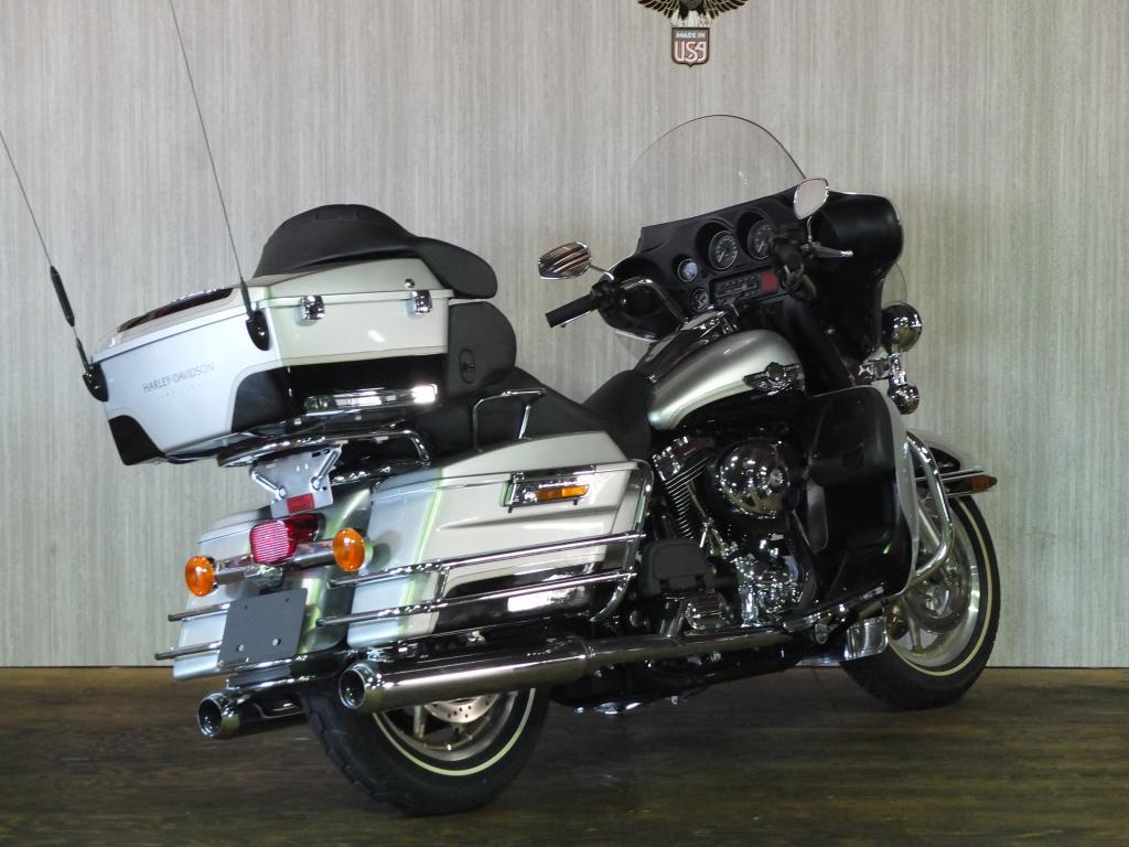 ハーレーダビッドソン 2003 FLHTCU-I NEW 車体写真3