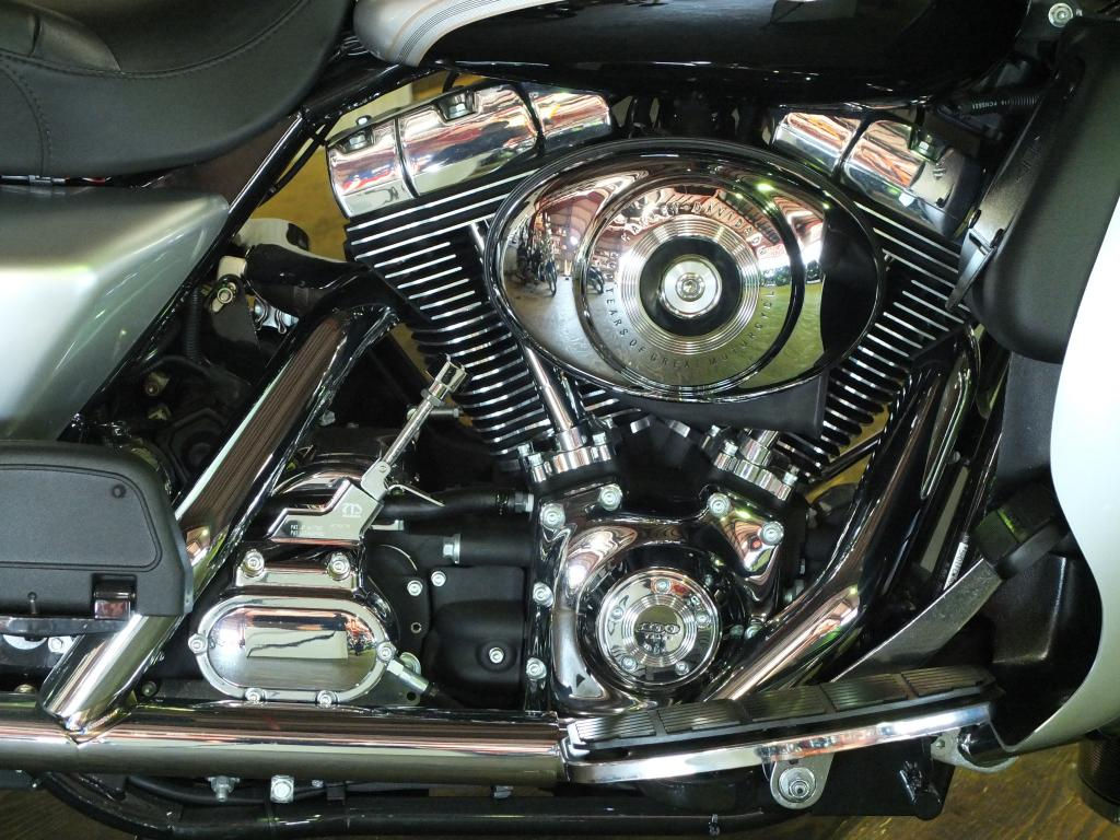 ハーレーダビッドソン 2003 FLHTCU-I NEW 車体写真7