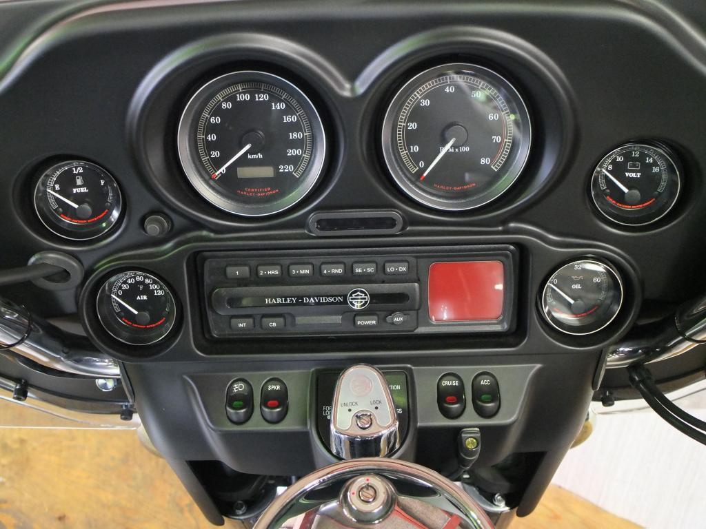 ハーレーダビッドソン 2003 FLHTCU-I NEW 車体写真9