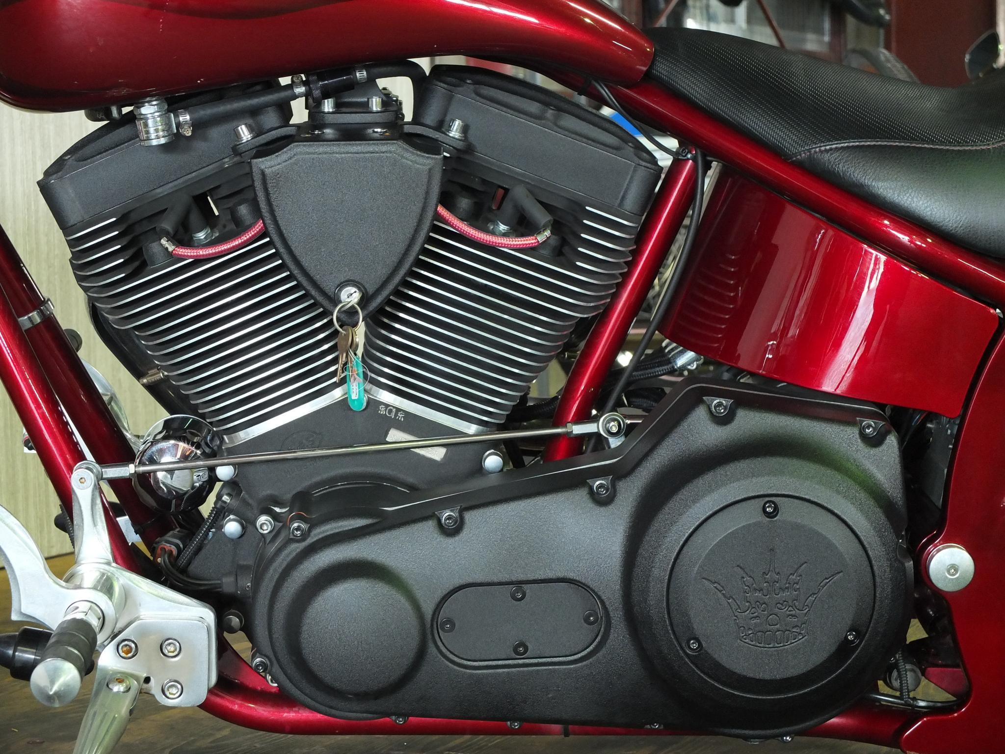 ハーレーダビッドソン 2010 RED CREW Full Custom 車体写真8