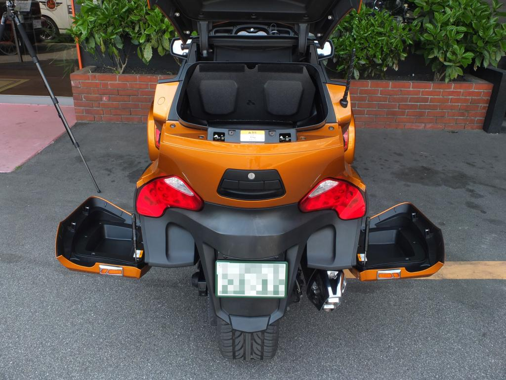 BRP 2014 BRP Can-am Spyder 車体写真9